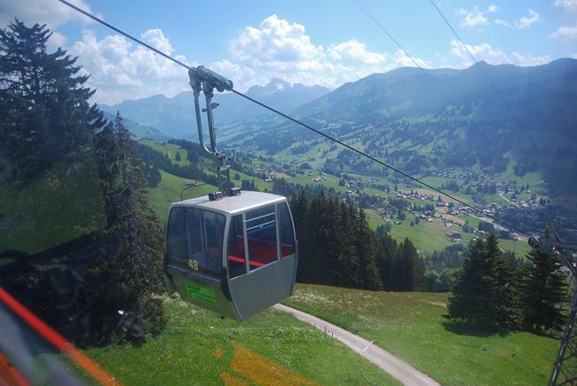 02-chiara-lanero-travel-blogger-rellerli-mountain-switzerland-adventure-alps