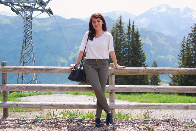 04-chiara-lanero-travel-blogger-rellerli-mountain-switzerland-adventure-alps