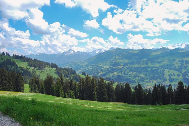 05-chiara-lanero-travel-blogger-rellerli-mountain-switzerland-adventure-alps