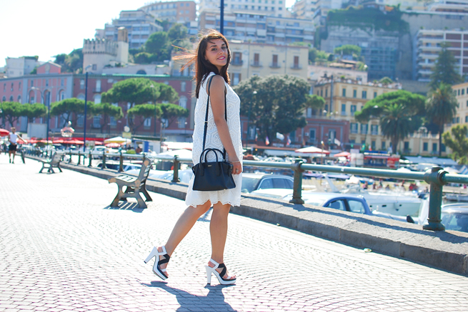 08-chiara-lanero-fashion-blogger-desigual-dress-summer-white