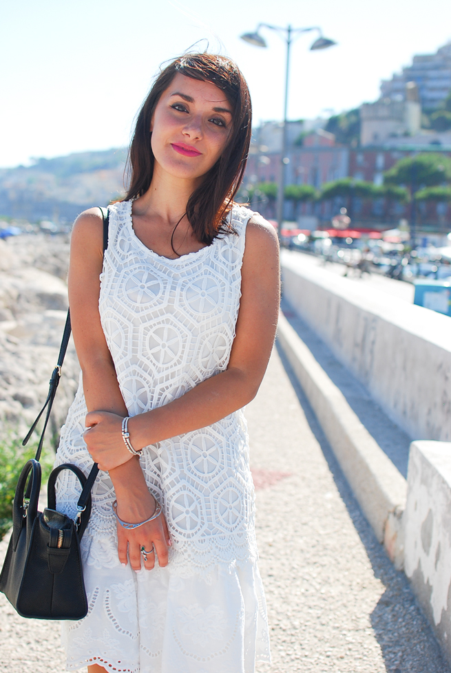 09-chiara-lanero-fashion-blogger-desigual-dress-summer-white