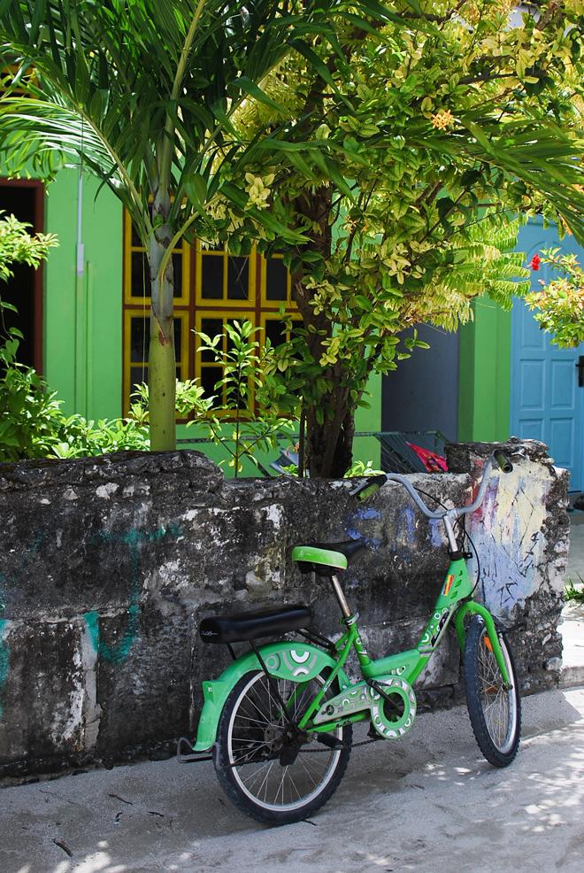 04-chiara-lanero-travel-blogger-maldives-island-excursion