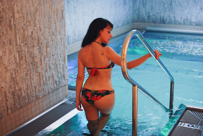 15-chiara-lanero-fashion-blogger-napoli-svizzera-piscina-pool-ermitage-hotel-tezenis