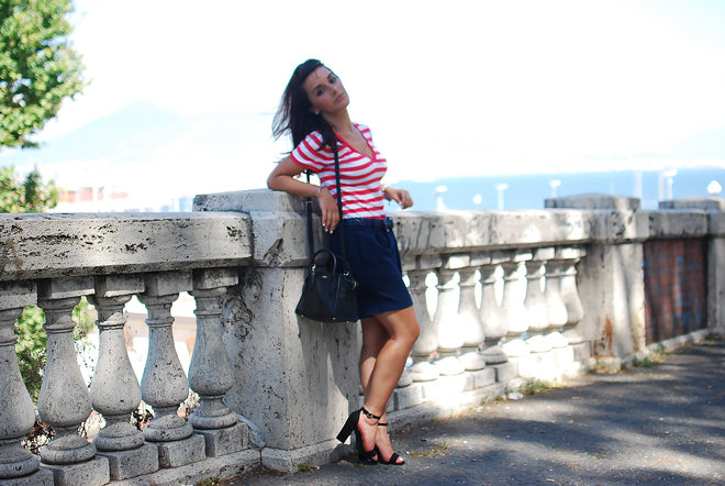 02-chiara-lanero-fashion-blogger-napoli-outfit-stripes-ralph-lauren-dkny-bag