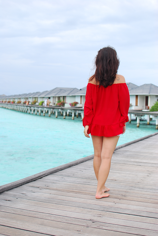 02-chiara-lanero-travel-blogger-maldives-resort-indian-ocean