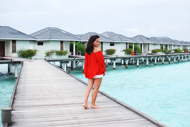 05-chiara-lanero-travel-blogger-maldives-resort-indian-ocean