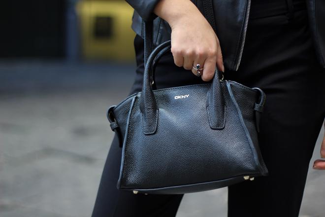 06-chiara-lanero-fashion-blogger-napoli-outfit-leather-jacket-zara-dkny-nike-cortez