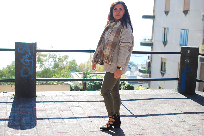 04-chiara-lanero-fashion-blogger-napoli-outfit-zara-lace-up-sweater-chanel-bag