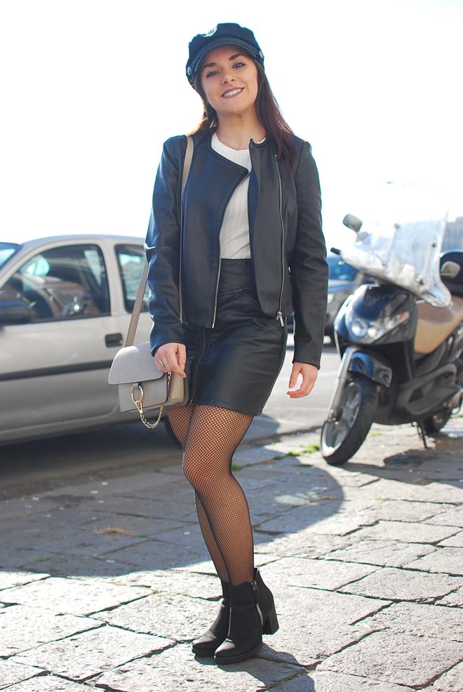 03-chiara-lanero-fashion-blogger-napoli-outfit-fishnet-tights-calzedonia-zara-rock-leather-jacket