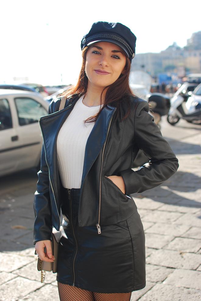 05-chiara-lanero-fashion-blogger-napoli-outfit-fishnet-tights-calzedonia-zara-rock-leather-jacket