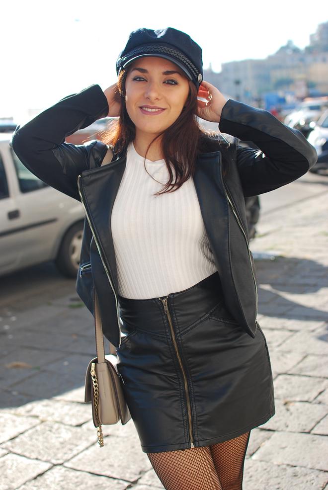 08-chiara-lanero-fashion-blogger-napoli-outfit-fishnet-tights-calzedonia-zara-rock-leather-jacket