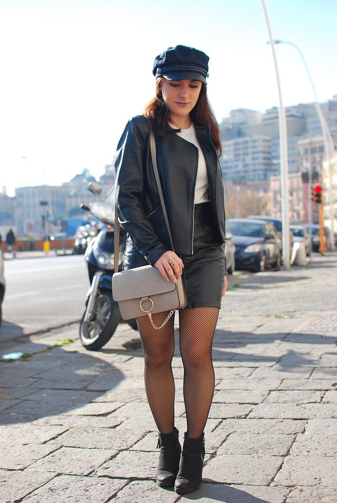 11-chiara-lanero-fashion-blogger-napoli-outfit-fishnet-tights-calzedonia-zara-rock-leather-jacket
