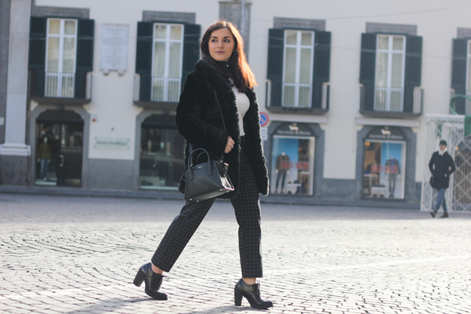 11-chiara-lanero-fashion-blogger-napoli-outfit-faux-fur-zara-trousers-dkny-winter