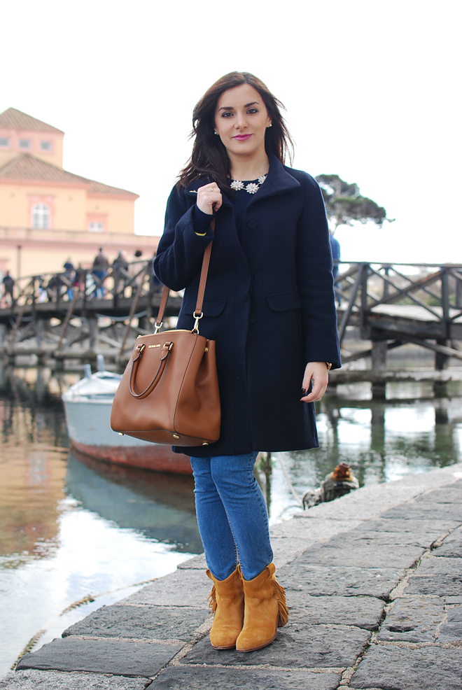 03-chiara-lanero-fashion-blogger-napoli-michael-kors-mango-coat-denim-casina-vanvitelliana
