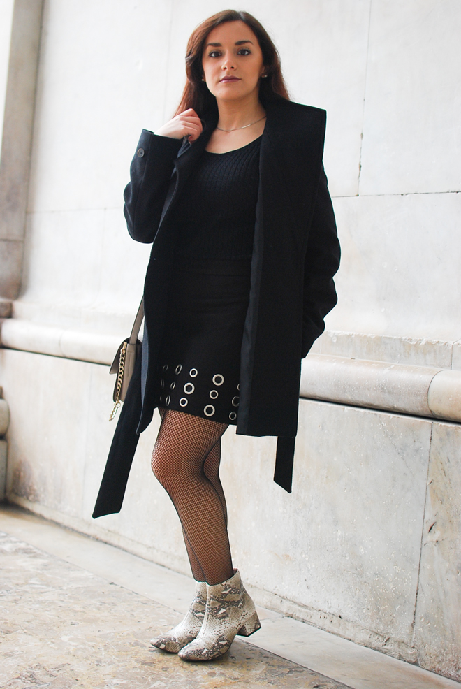 04-chiara-lanero-fashion-blogger-napoli-outfit-piton-mango-coat-fishnet-tights