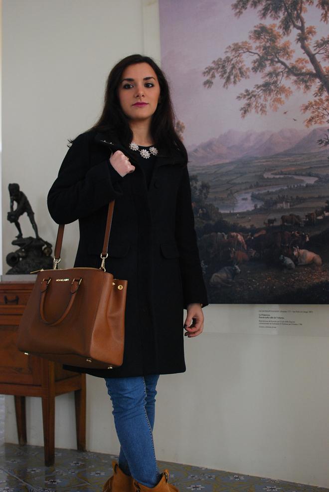 08-chiara-lanero-fashion-blogger-napoli-michael-kors-mango-coat-denim-casina-vanvitelliana