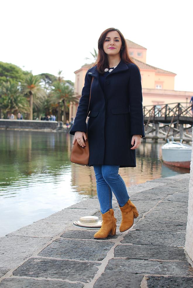 11-chiara-lanero-fashion-blogger-napoli-michael-kors-mango-coat-denim-casina-vanvitelliana
