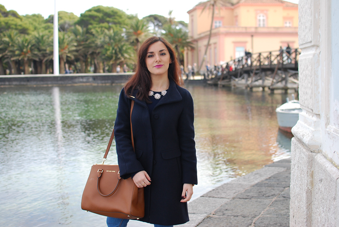 12-chiara-lanero-fashion-blogger-napoli-michael-kors-mango-coat-denim-casina-vanvitelliana
