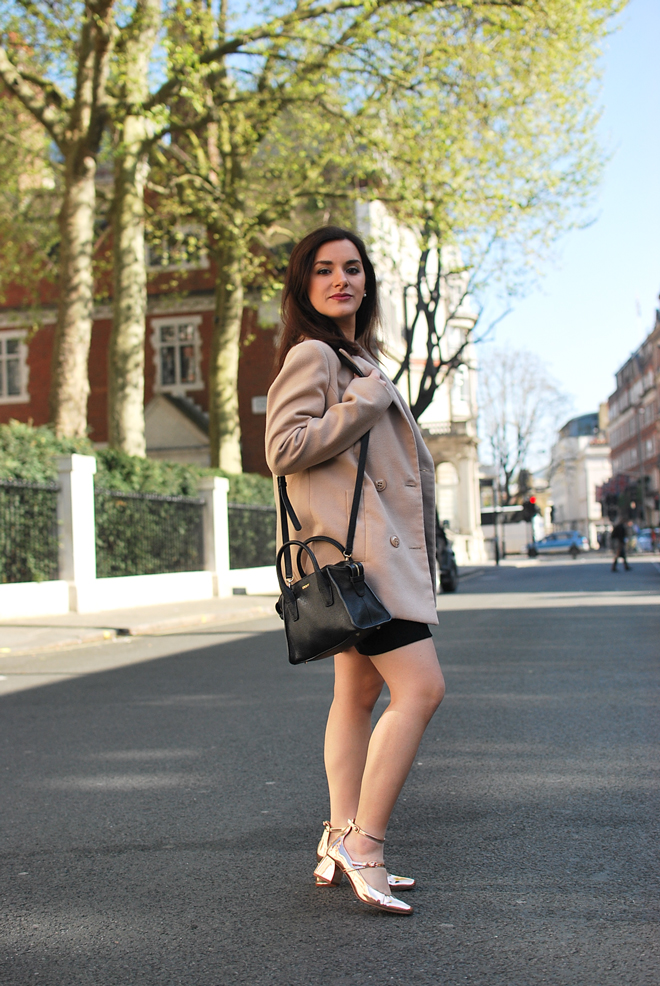 09-chiara-lanero-london-outfit-streetstyle-zara-londra-dkny-bag-travel-blogger-fashion