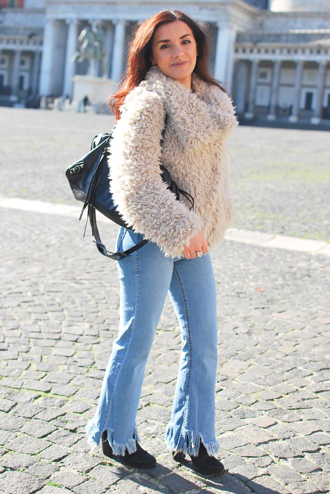 7c25848615 Neutral tones: faux fur jacket and light denim - Chiara Lanero blog