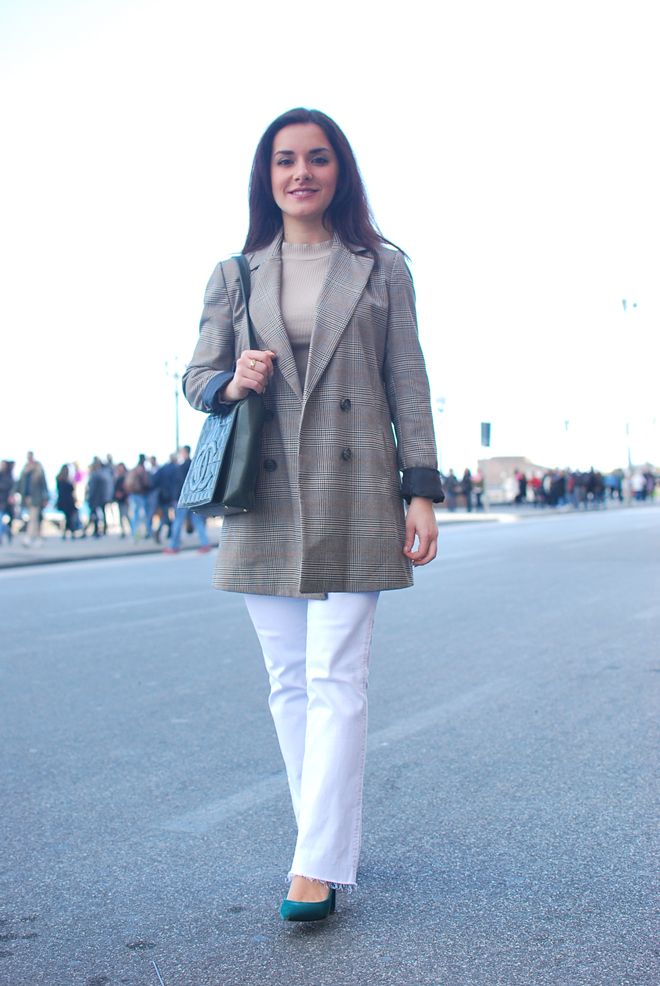 6682104e Spring pieces: white jeans and long blazer | Chiara Lanero